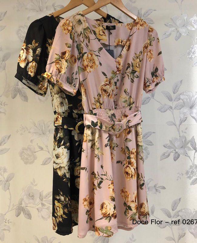 Vestido Floral em Crepe com Cinto Doce Flor