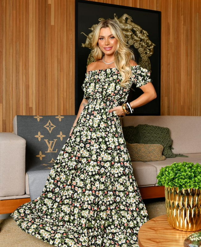 Vestido Longo Estampa Floral com Recorte Ombro a Ombro Milalai
