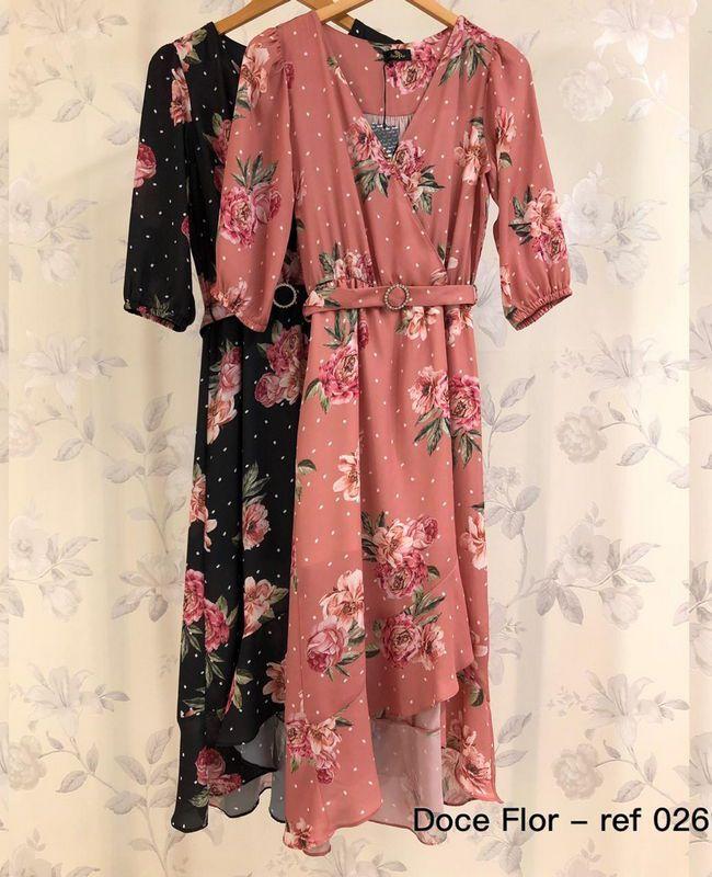 Vestido Midi Doce Flor em Crepe com Flores e Poas