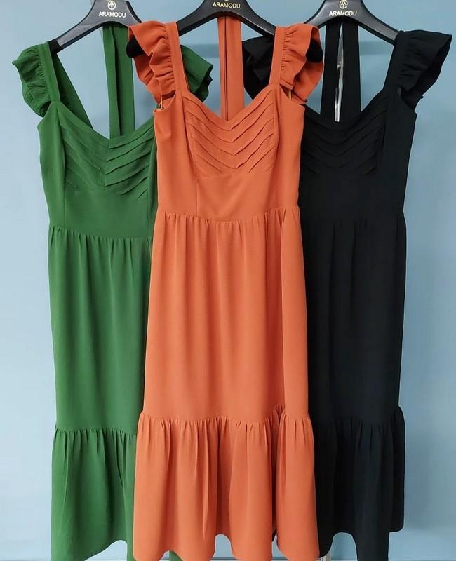 Vestido Midi em Crepe com Pregas no Decote Aramodu