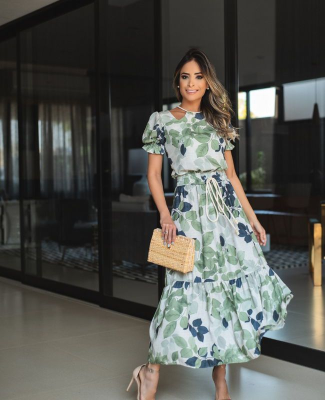 Vestido Midi em Viscose com Estampa Floral