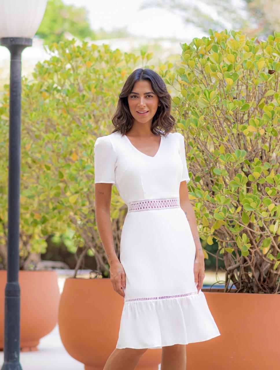Vestido Midi em Viscose com Renda Milalai