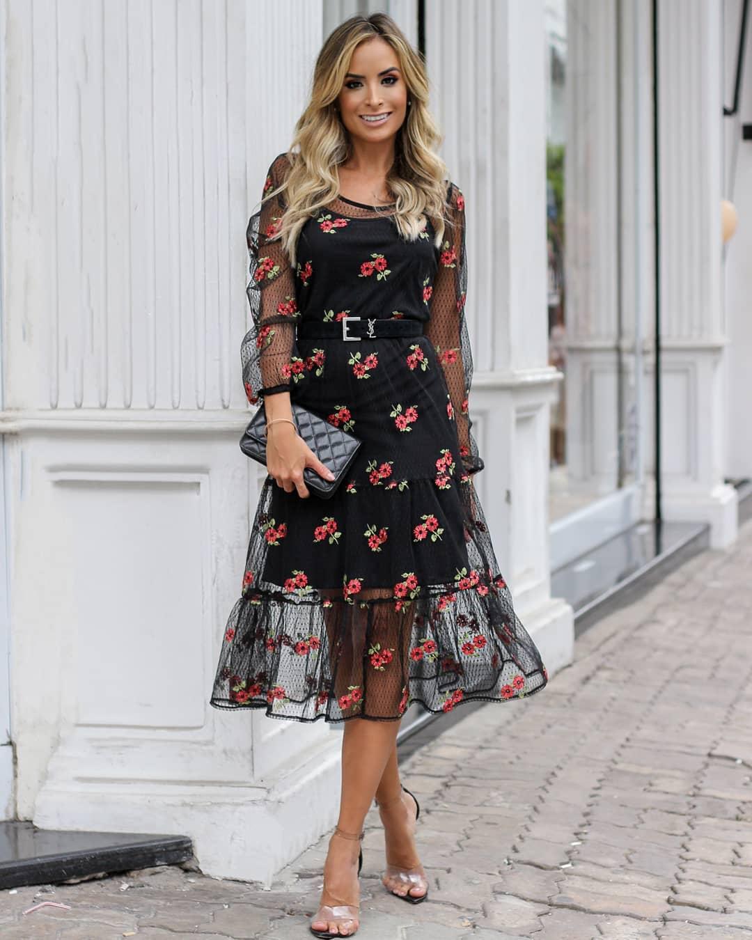 Vestido Midi Tule com Bordado Doce Flor