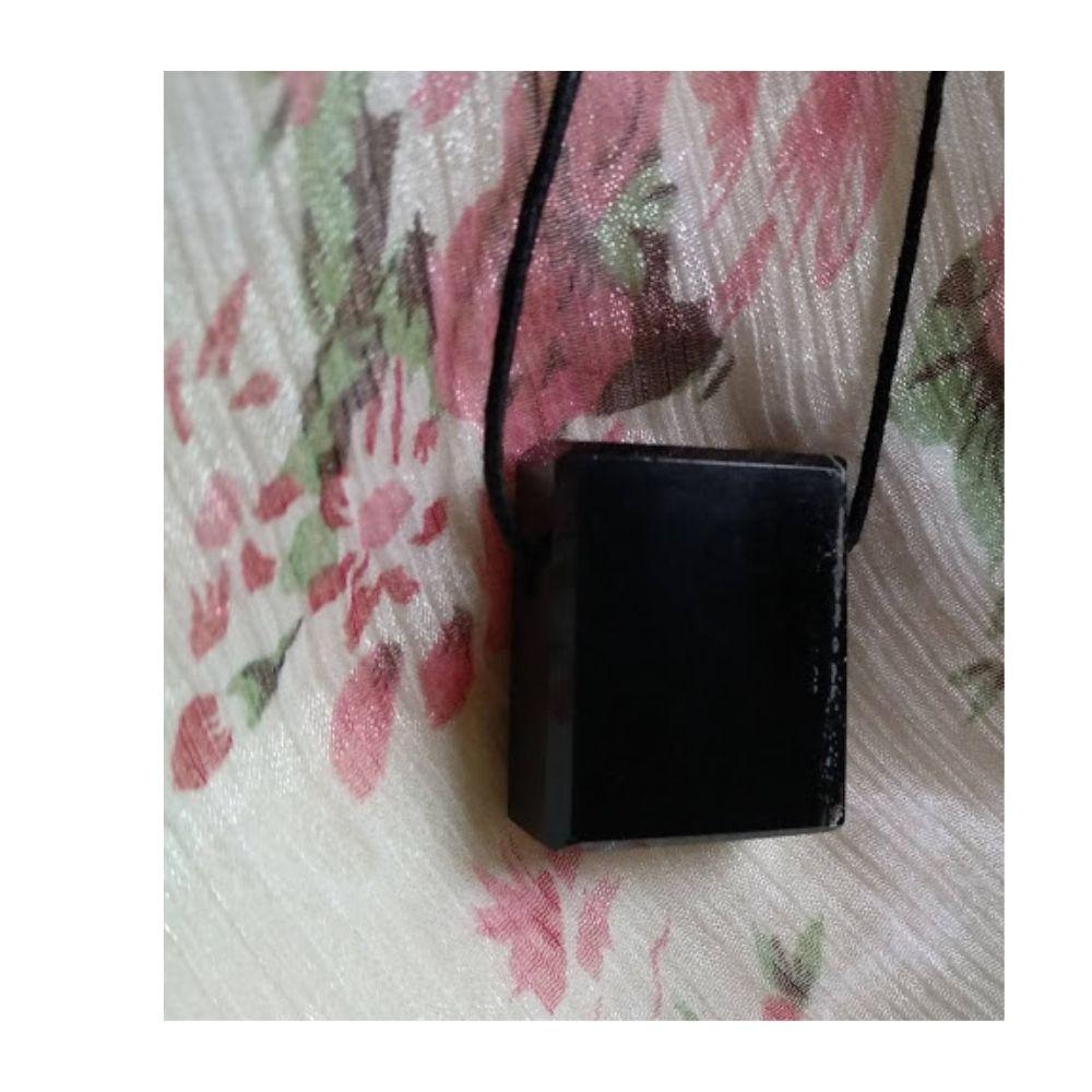 Colar de Obsidiana c/ cordão de algodão- minimalista  (  Difusor Pessoal)