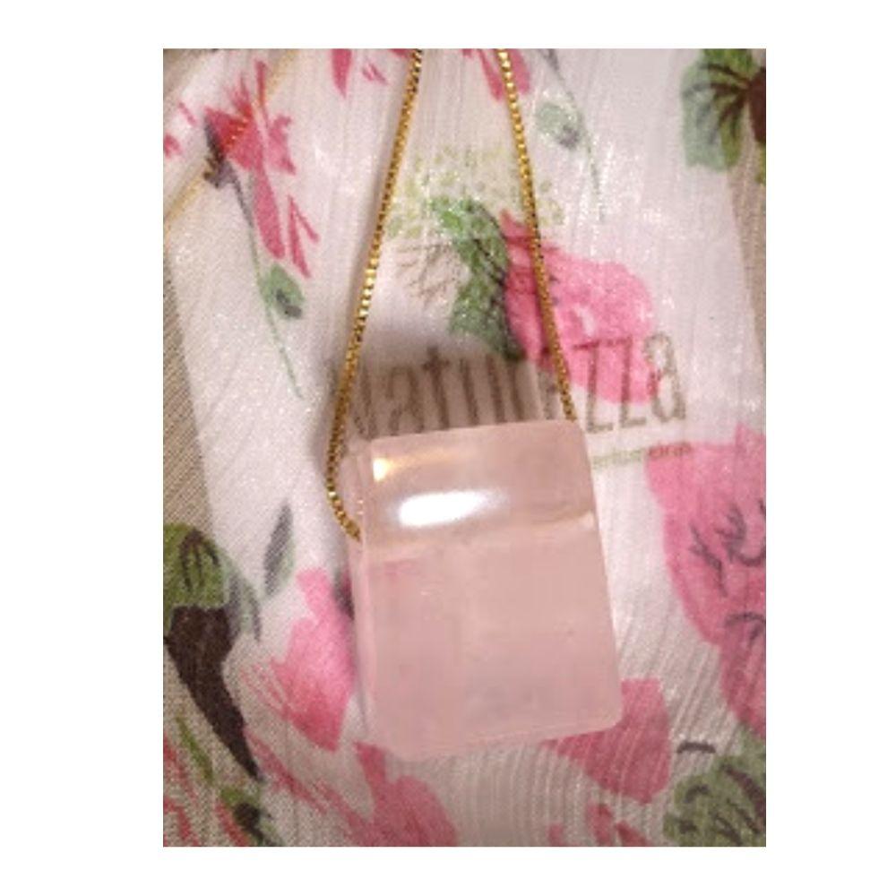 Colar de Quartzo Rosa c/ corrente dourado (Perfumeira para Aromaterapia ou  Difusor Pessoal) Naturezza - Minimalista