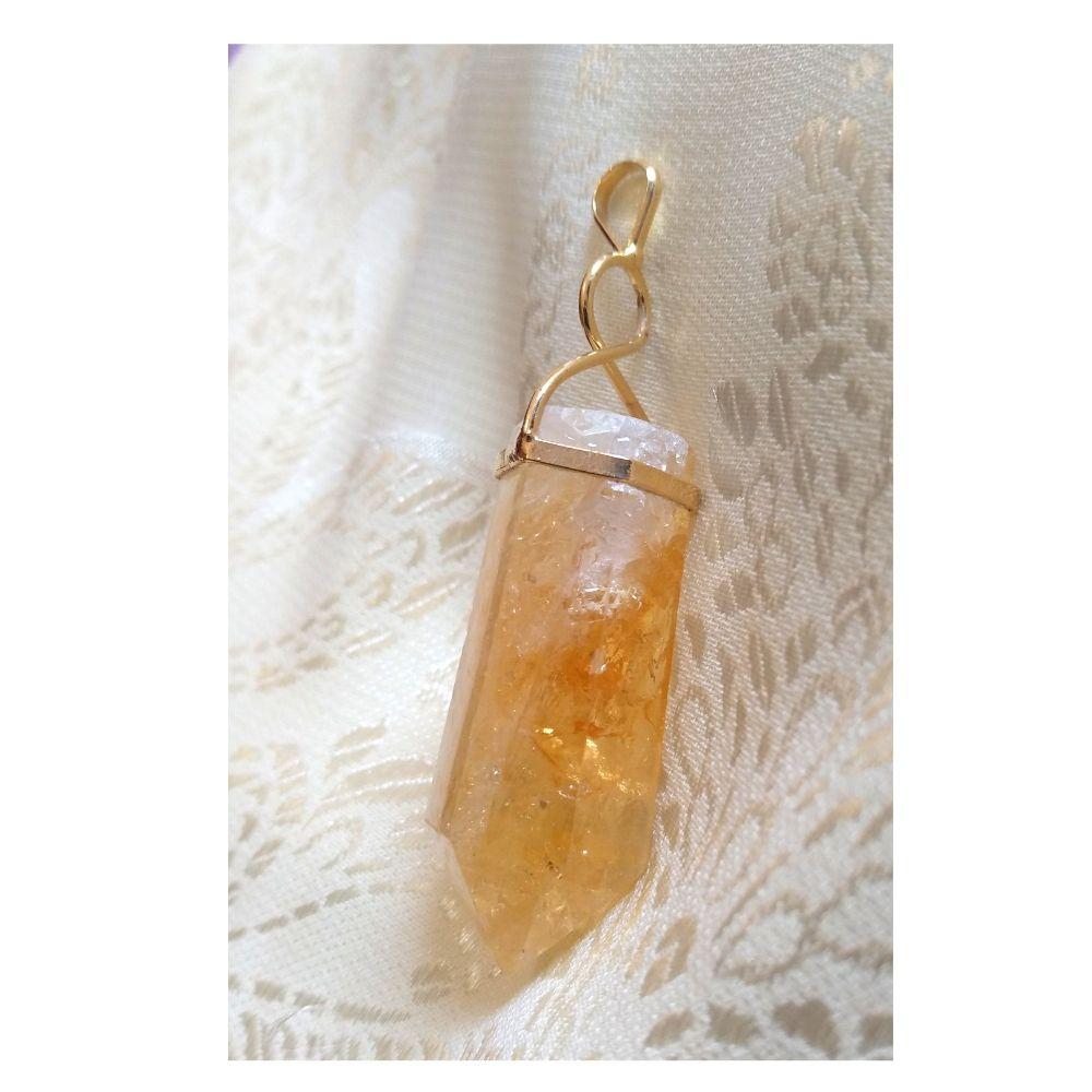 Pingente  Citrino c/ dourado  (Perfumeira para Aromaterapia ou  Difusor Pessoal)