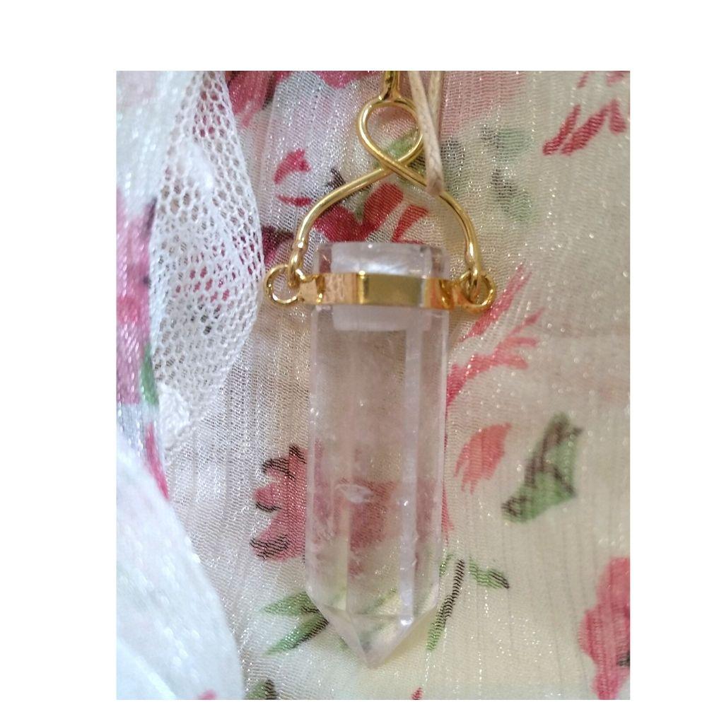 Pingente Cristal - Quartzo Incolor com dourado (Perfumeira para Aromaterapia ou Difusor Pessoal)