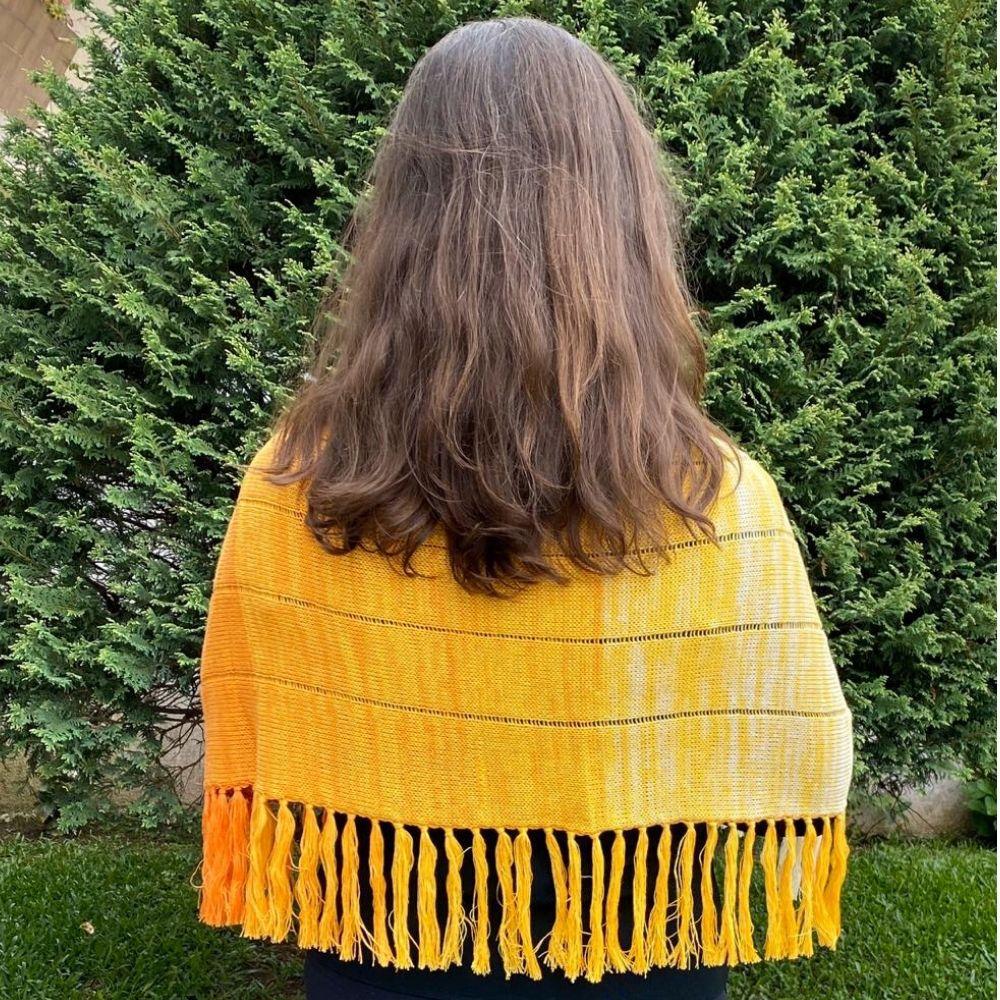 Xale de Trico de Fio Prisma Amarelo degrade