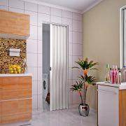 Porta sanfonada em PVC na cor branca 0,80x2,10M