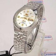 Relógio Orient Automático Pulseira Aço Mostrador Fundo Prata FEM0301WW9