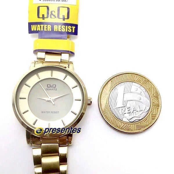 Relógio Feminino Dourado 31mm Q&q Quartz Wr30 Q945j001y  - E-Presentes