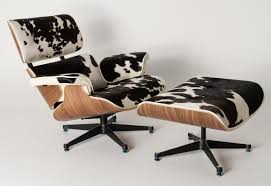 Poltrona Charles Eames com Puff couro vaquejado