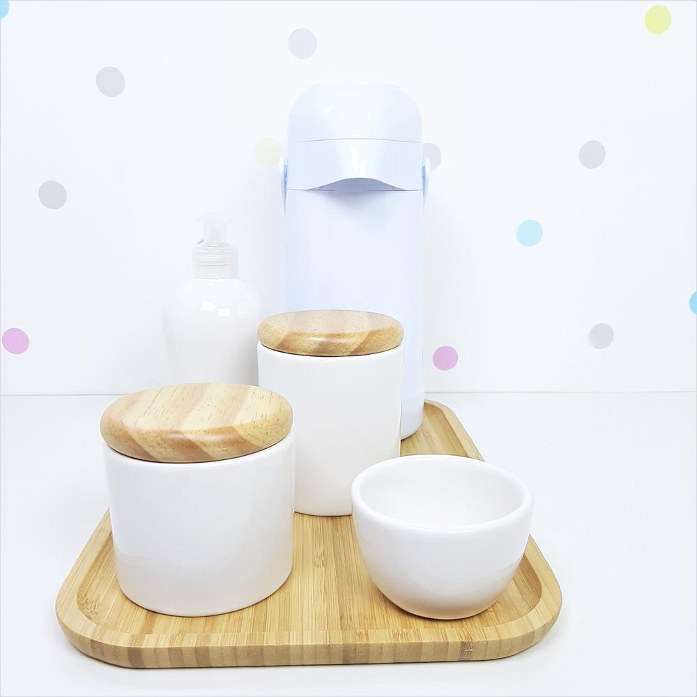 Kit Higiene | Branco com Bandeja de Bambu e Garrafa Branca (LA2323)