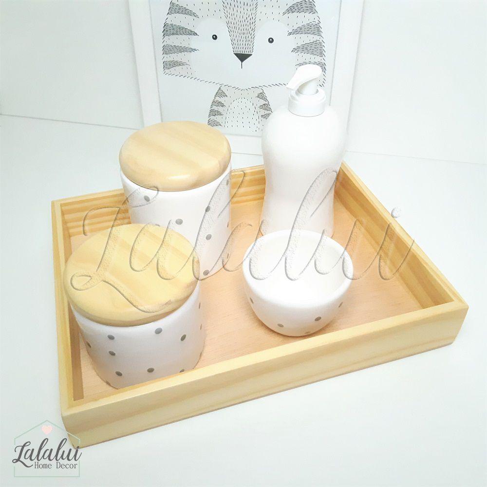 Kit Higiene Branco com poá cinza e Tampas de Madeira K11 (Quarto de Menino e de Menina)