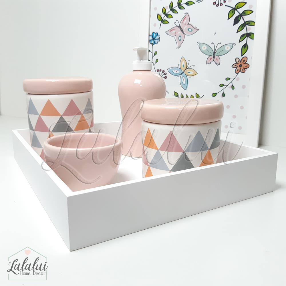 Kit Higiene Branco e Rosa com Triângulos cinza, rosa e laranja  K19