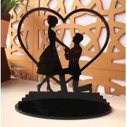 Ref. 003 - Topo de Bolo Acrílico Coração Noivos Casamento 15cm