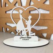 Ref. 003 - Topo de Bolo MDF Branco Coração Noivos Casamento 15cm