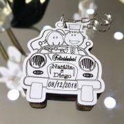 Ref. 015 -  Chaveiros Casamento Noivos no Carro Personalizados MDF BRANCO