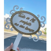 """Ref. 019 - Placa MDF Branco com Dourado """"Tudo se fez perfeito ao seu tempo"""" 35cm"""