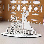 Ref. 046 - Kit Centros de Mesa de Casamento MDF Branco Sr Sra Sobrenome Noivos 20cm