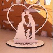 Ref. 047 - Topo de Bolo MDF Branco Noivos Menina 15cm Casamento Coração Alianças
