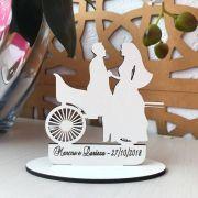 Ref. 056 - Kit Lembrancinhas Casamento Noivos na Carroça Carruagem Personalizadas - MDF Branco