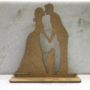 Ref. 008 - Topo de Bolo Casamento Noivos com Filha - 15cm MDF CRU