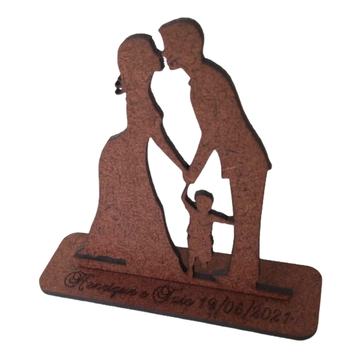 Ref. 048 - Kit Lembrancinhas Noivos Coração com Criança Menino - MDF Cru