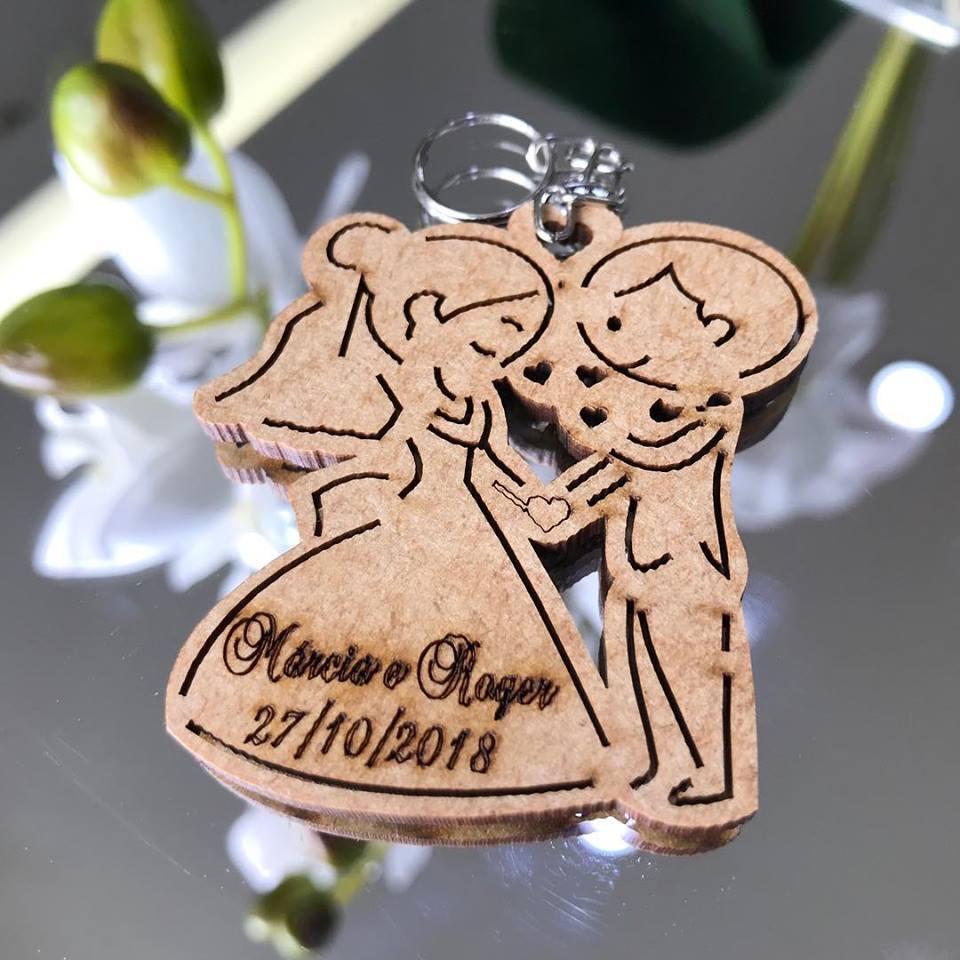 Ref. 003 - Chaveiros Noivinhos Casamento Noivado Personalizado MDF CRU
