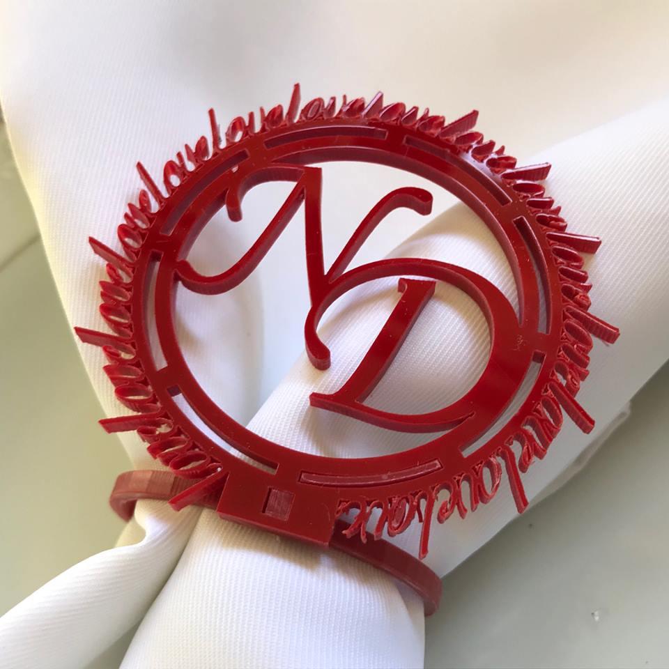 Ref. 003 - Porta Guardanapos Brasão Love Acrílico Casamento