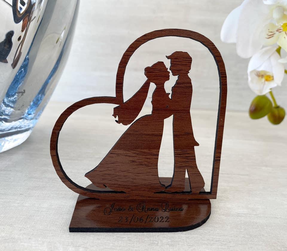 Ref. 005 - Kit Lembrancinhas de Casamento MDF Laminado Madeira Coração Noivos