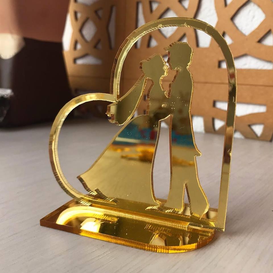 Ref. 005 - Topo de Bolo Alianças Coração Noivos Casamento 15cm Dourado Espelhado