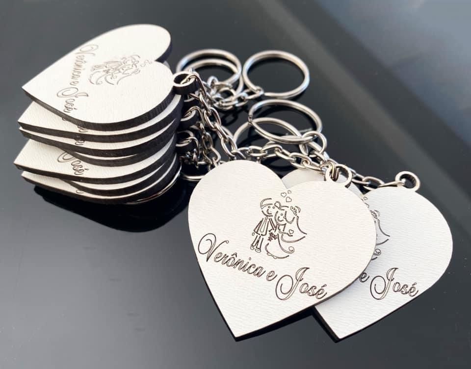 Ref. 007  - Chaveiros Casamento Personalizado Coração MDF BRANCO