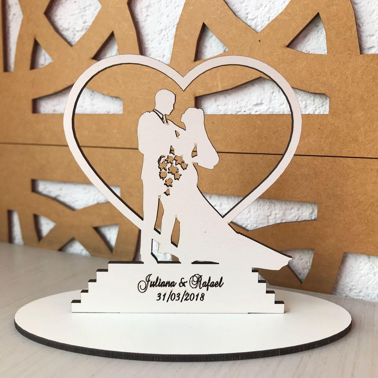 Ref. 009 - Kit Lembrancinhas de Casamento Personalizadas MDF Branco Noivos Coração