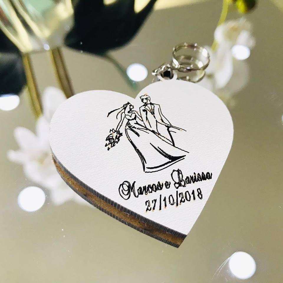 Ref. 011  -  Chaveiros Casamento Personalizado Coração Noivos MDF BRANCO
