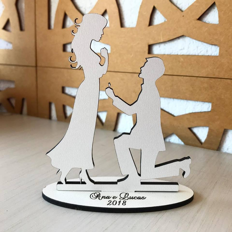 Ref. 013 - Topo de Bolo MDF Branco Coração Alianças Noivos Casamento 15cm Noivado
