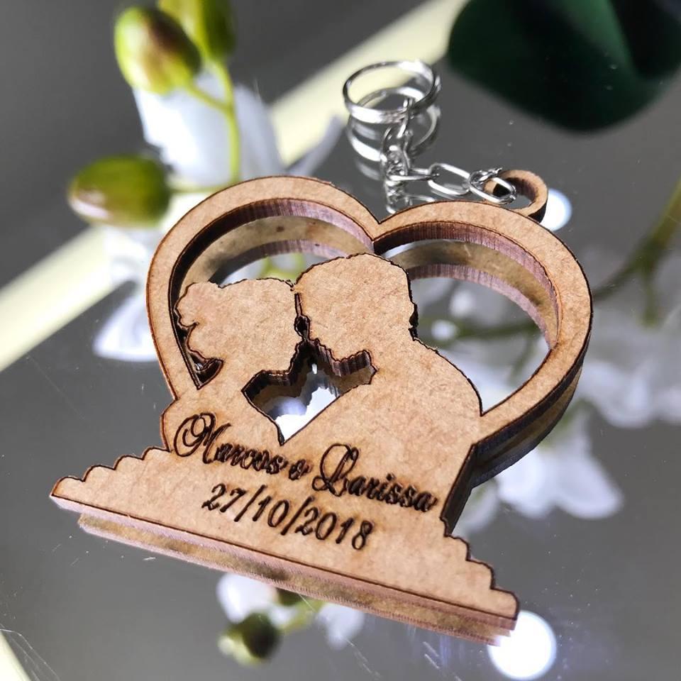 Ref. 016 -  Chaveiros Casamento Noivos Coração Personalizados MDF CRU