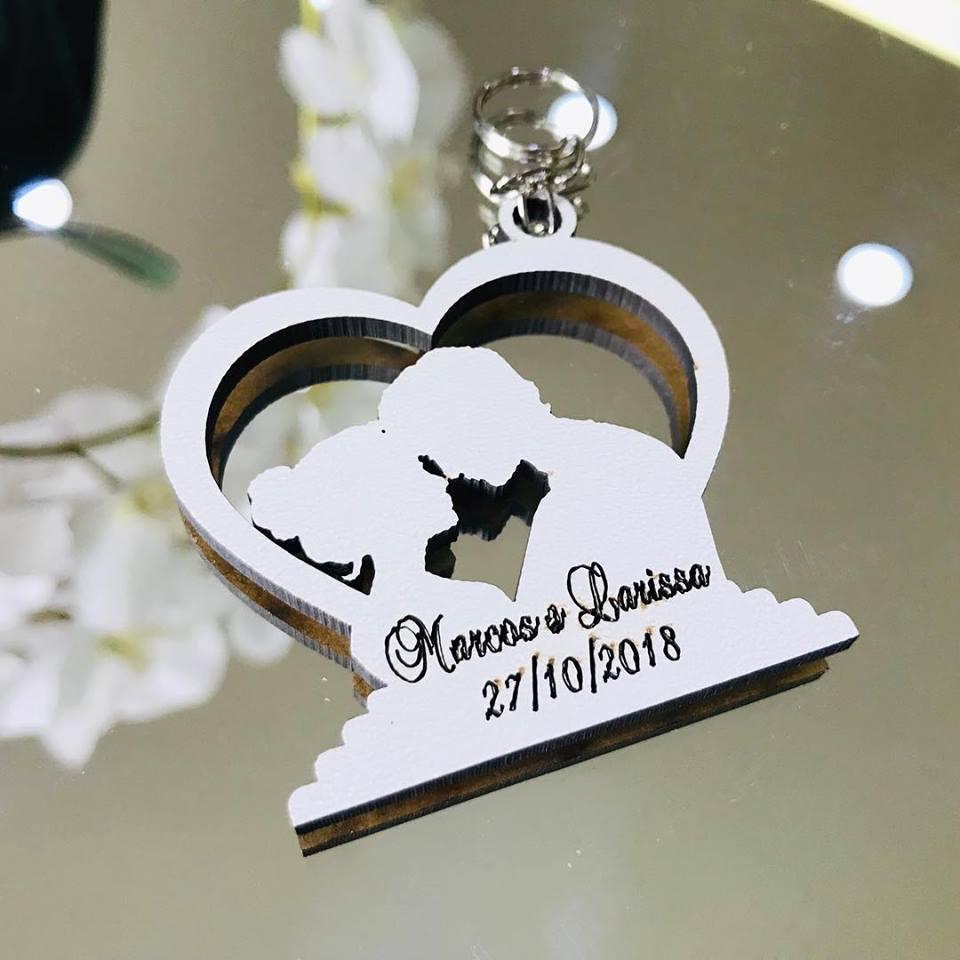 Ref. 016 -  Chaveiros Noivos Casamento Coração Personalizados MDF BRANCO