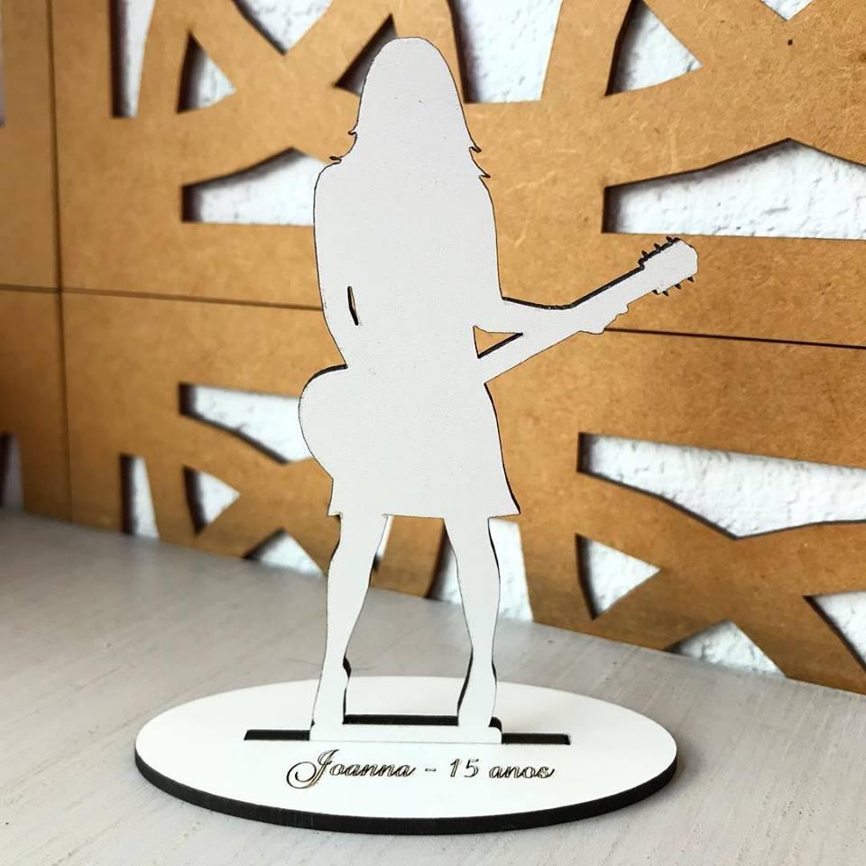 Ref. 043 - Topo de Bolo MDF Branco Debutante 15cm Violão
