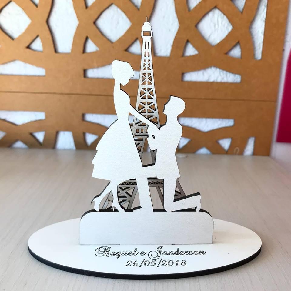 Ref. 045 - Topo de Bolo MDF Branco Casamento 15cm Paris Torre Eiffel
