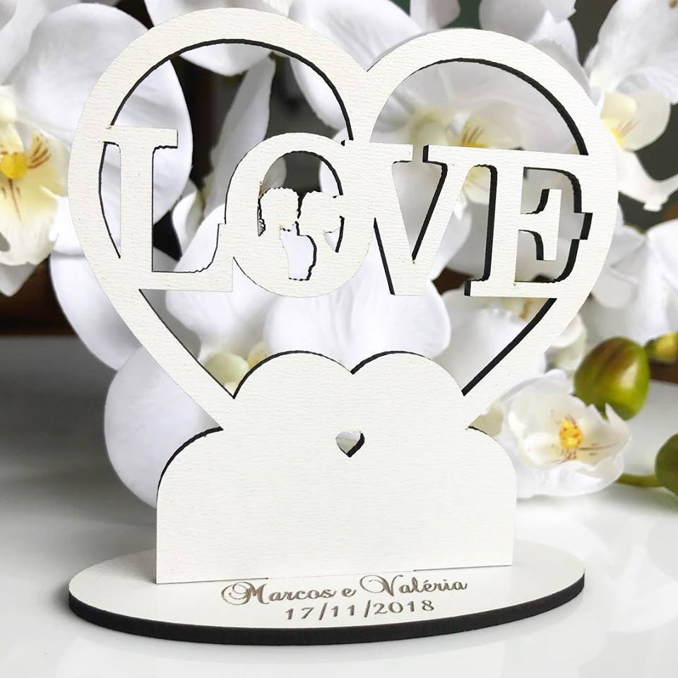 Ref. 052 - Kit Lembrancinhas de Casamento MDF Branco Love