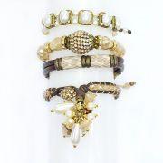 Pulseira feminina couro sintético, pérolas e gotas - bijuterias - 0942
