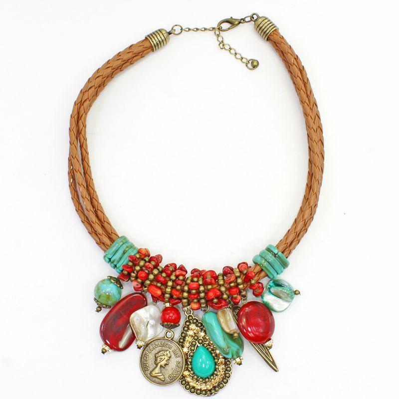 Colar feminino curto, couro, cascalho e pingentes, bijuterias - 7489