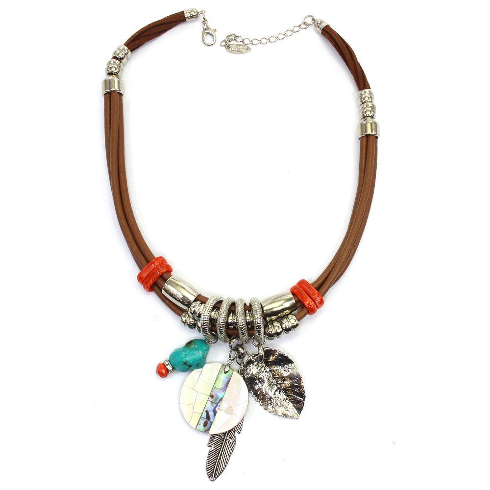 Colar feminino curto, couro sintético, metais e madrepérola - bijuterias - 8621