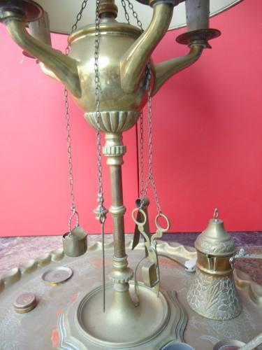 Antigo Abajur Com Bandeja Enfeites Em Bronze