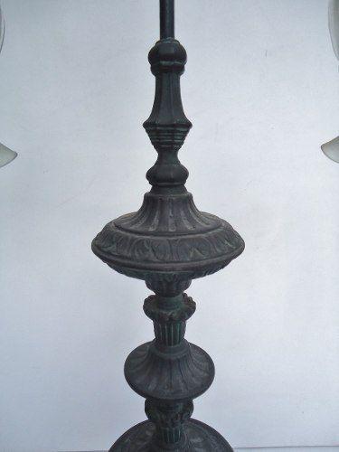 Antiga Luminaria De Mesa Em Ferro Fundido Trabalhada