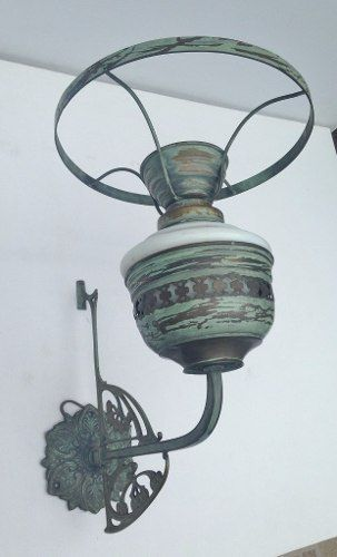 Antiga Arandela Luminária De Parede Em Metal E Opalina