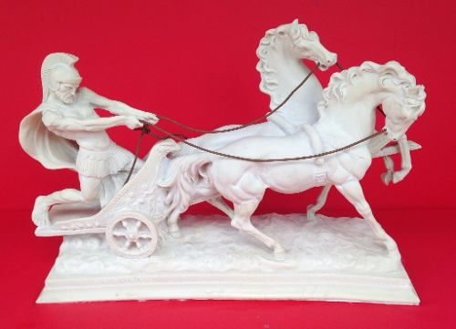 Espetacular Escultura Italiana Representando Biga Romana Assinada