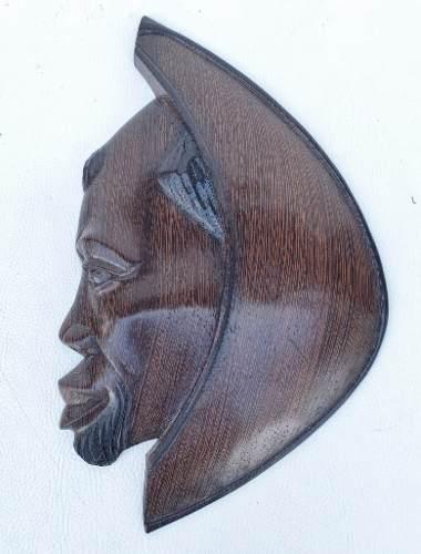 Antiga Escultura Africana Em Madeira
