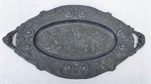 Antiga Peça Decorativa Oval Em Estanho 29x16cm